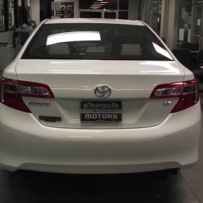 Toyota Camry 2012, retroceso generacional y envejecimientoprematuro.