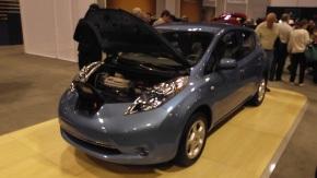Quien los entiende? 9. Gobierno a favor y en contra de autos electricos ehibridos.