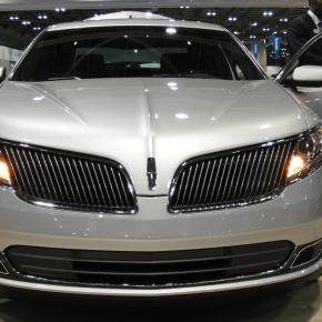 Lincoln MKS y MKT2013.