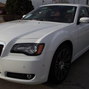 Chrysler 300 S: Todo el lujo, menos elpoder.