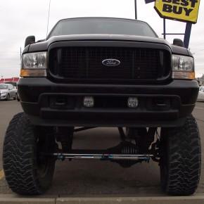 Rarezas circulando 20: Ford Excursion tipo Monstertruck.