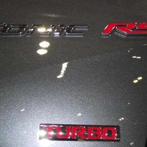 Chevrolet Sonic RS2013.