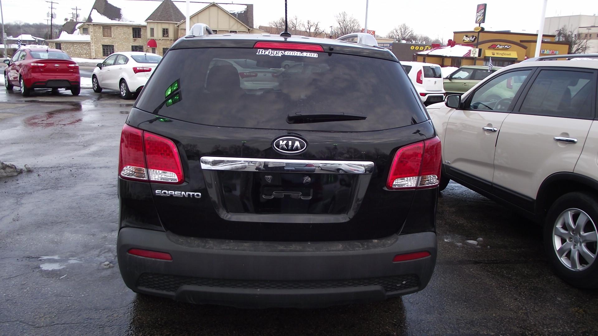 ford escape vs kia sorento review new cars new car prices car html autos weblog. Black Bedroom Furniture Sets. Home Design Ideas