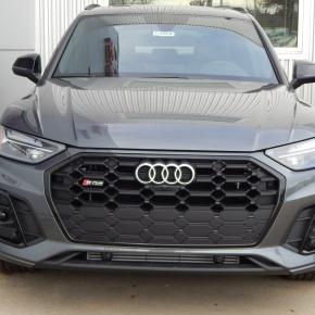 Mini Actualizada: Audi Q5/SQ52021.