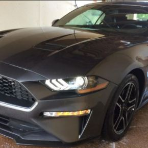 Manejando: Ford Mustang Premium Convertible2020.